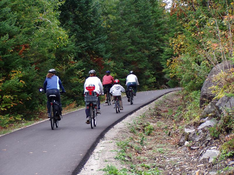 Vélo sur le sentier Le P'tit Train du Nord